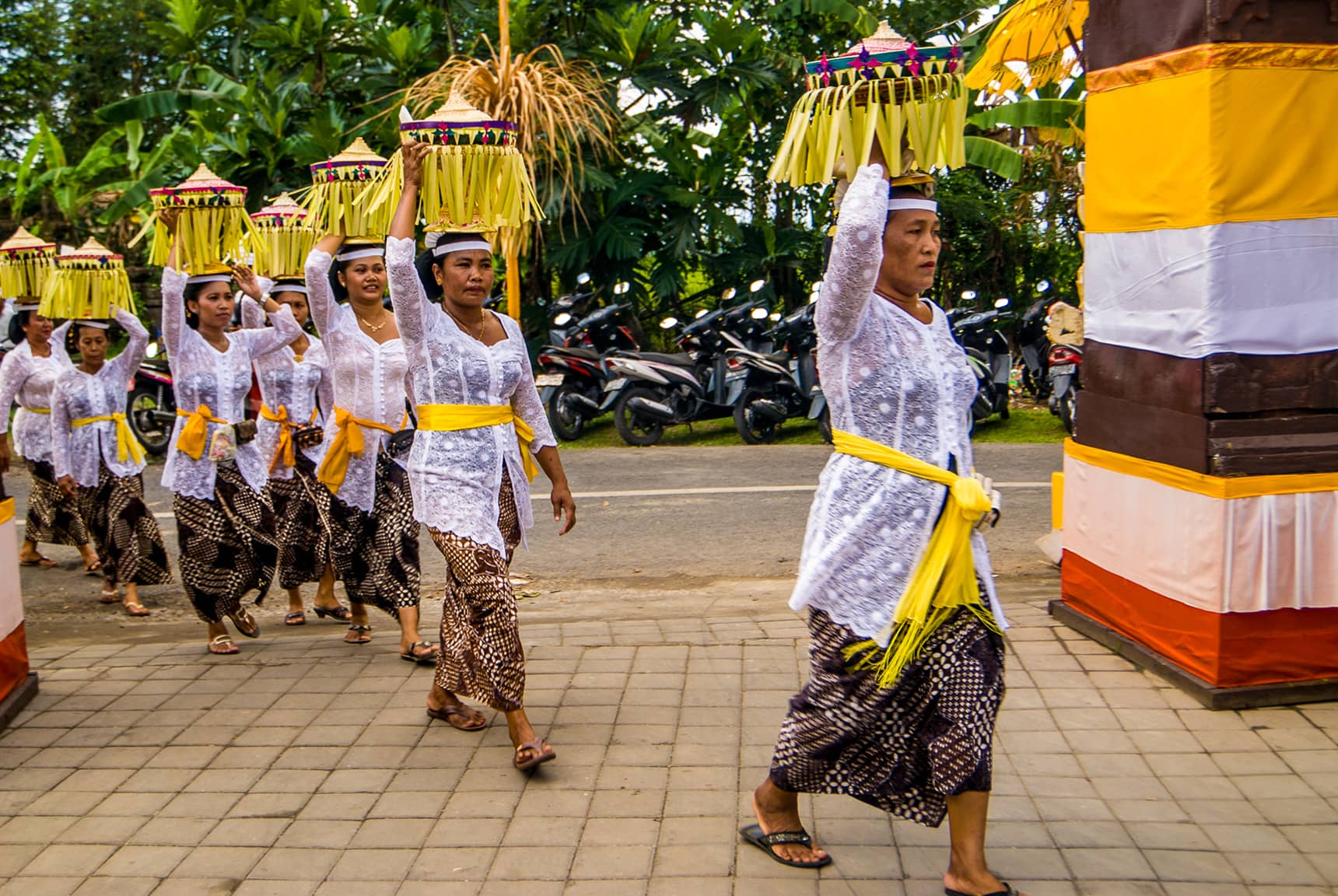 Professional photos of Hindu ceremonies in Bali Indonesia